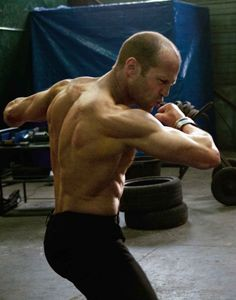 Jason Statham: Workout Routine For Speed, Agility & Athleticism - My Fitness Closet! Karate, Guy Ritchie, Jason Statham Body, Gq, Jason Stratham, Looks Baskets, Pop Workouts, Movie Workouts, Martial Artist