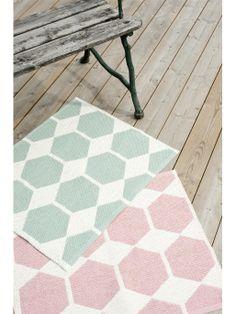 1000 images about skandinavische teppiche on pinterest dining room makeovers sweden and. Black Bedroom Furniture Sets. Home Design Ideas
