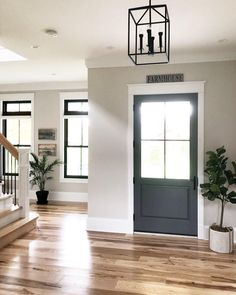 8 Truthful Clever Tips: Bright Interior Painting Colors interior painting fixer upper.Interior Painting Modern Benjamin Moore interior painting colors for house. Style At Home, Home Reno, First Home, Home Fashion, House Colors, My Dream Home, Modern Farmhouse, Farmhouse Front, Farmhouse Table