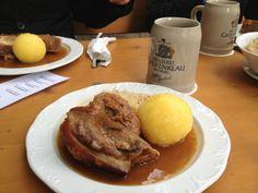 Greifenklaun Dunkel x Ombro de porco com kartoffelknödel e chucrute  #cerveja #harmonizacao #beer #food #pairing