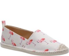 A estação mais quente do ano chegou nos seus pés também! Estampas tropicais trazem o clima do verão para você arrasar nessa versão do calçado que é um clássico do conforto: a alpargata! As trends que