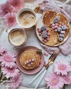 Coffee time uploaded by Elena Tkachenko on We Heart It Yummy Treats, Sweet Treats, Yummy Food, Pause Café, Aesthetic Food, Cute Food, Coffee Time, Food Styling, Food Photography