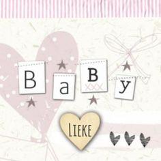 Geboortekaartje voor een meisje, met hartjes en de letters 'baby' erop gestrikt. Trendy geboortekaartje met vintage uitstraling.