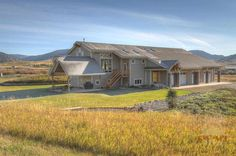 341 Laurel Ranch Bozeman Mt 59715 Written With A Western Vernacular Punctuated Modern Touches This Striking Mountain Property Spreads Out Over 40