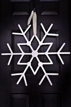 Snowflake wreath made from jumbo craft sticks