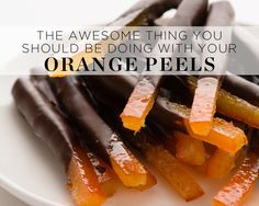 The Awesome Thing You Should be Doing with Your Orange Peels Das Tolle, was du mit deinen Orangenschalen machen solltest – Foto von: Jennifer Weaver Healthy Desserts, Just Desserts, Delicious Desserts, Yummy Food, Candy Recipes, Dessert Recipes, Candied Orange Peel, Candied Fruit, Mets