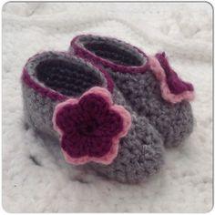 Baby Dress Shoes Booties Hand Crochet Shoes by OnceUponACraft4U, $21.00