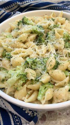 Yummy Pasta Recipes, Vegetarian Recipes, Yummy Food, Healthy Recipes, Light Pasta Recipes, Easy Pasta Dinner Recipes, Cheesy Pasta Recipes, Penne Pasta Recipes, Cooking Recipes For Dinner