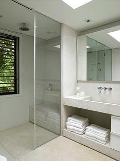 Arthur Casas house. What a perfect bathroom.
