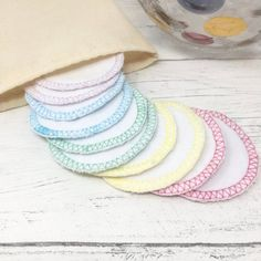 Organic Cotton Rounds Set of 10 and Wash Bag / Face Cloth / Make-up Remover / Reusable Cotton Pads / Facial Scrubbies / Washable Cotton Pads by GingerGreenCo on Etsy Cotton Pads, Cotton Towels, Period Pads, Make Up Remover, Eye Makeup Remover, Wash Bags, Biodegradable Products, Organic Cotton, Facial