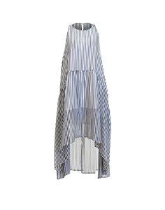 Maxi robe Emma Noémiah 105.00 $  Les beaux jours arrivent et on vous imagine déjà flâner dans cette maxi robe Emma facile à porter, très confortable et tendance.  Robe rose : 100 % Coton Robe rayée bleu : 100 % Polyester