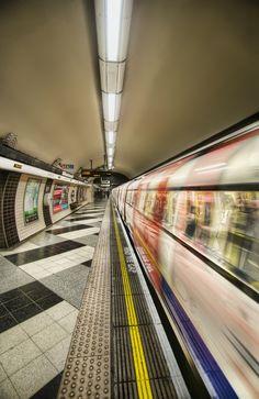 Departing Tube, London, Great Britain - R_20.08.2013