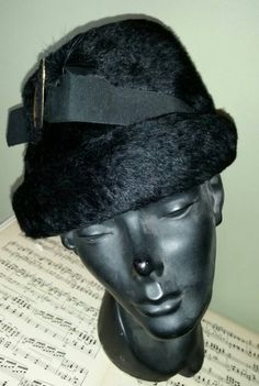 Check out this item in my Etsy shop https://www.etsy.com/listing/217436944/hollywood-glamour-mid-century-fur-ladies