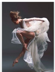 Gorgeous Ballet Dancer Exquisite form and grace. Gorgeous Ballet Dancer Exquisite form and grace. Shall We ダンス, Ballet Russe, Alvin Ailey, Dance Academy, Dance Movement, Ballet Photography, Amazing Dance Photography, Human Body Photography, Photography Ideas
