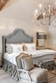 French Country Bedroom Design and Decor Ideas – French Country style provides a calming space for anyone to relax. Done in white and light shades of gray and blue, these bedrooms provide a sophisticated yet entirely approachable haven. Farmhouse Bedroom Decor, Country Farmhouse Decor, Home Bedroom, French Farmhouse, Rustic French, Master Bedroom, Bedroom Sets, Country Kitchen, French Country Bedrooms