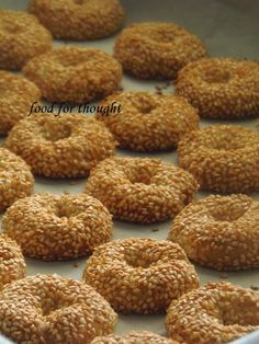 Food for thought: Κουλουράκια σουσαμιού Greek Sweets, Greek Desserts, Turkish Recipes, Greek Recipes, Cake Mix Cookie Recipes, Dessert Recipes, Pastry Recipes, Baking Recipes, Koulourakia Recipe