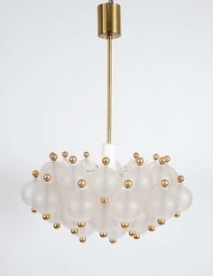 Beautiful Pair Of Chandeliers Attributed to Seguso image 2
