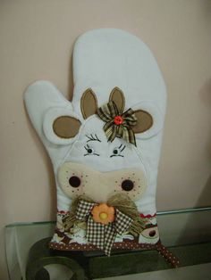 . Diy Arts And Crafts, Hobbies And Crafts, Quilting Projects, Sewing Projects, Cow Kitchen, Country Kitchen, Kitchen Ideas, Farm Crafts, Towel Crafts