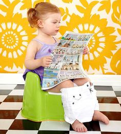 When it comes to potty training girls and boys, there are more similarities than differences in toilet techniques.