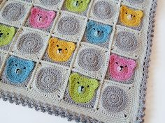 Dada's place: Teddy Bear Granny Square Baby Blanket