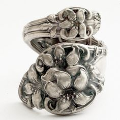 Spoon Ring Art Nouveau Orange Blossom Sterling Silver by Spoonier Jewelry Crafts, Jewelry Art, Vintage Jewelry, Jewelry Accessories, Jewelry Design, Vintage Silver, Silver Spoon Jewelry, Fork Jewelry, Jewelry Rings