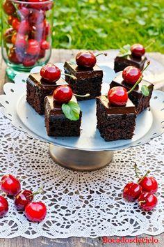 Bocadosdecielo: Cuadraditos de chocolate Cupcake Factory, Cake Recipes, Dessert Recipes, Choco Chocolate, Sweet Bar, Mini Desserts, Mini Cakes, Cake Decorating, Bakery