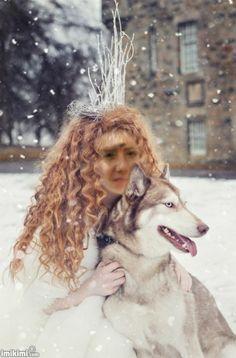 Huskia II Snowhite snow queen dog husky ginger hair beauty fashion make up portrait disney tale red crown winter Karolina Kotkiewicz Photography www. Fantasy Photography, Portrait Photography, Fashion Photography, Makeup Photography, Photography Ideas, Foto Fantasy, Fantasy World, Snow Queen, Ice Queen