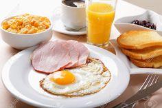 60 New Ideas Brunch Cafe Food Brunch Recipes, Breakfast Recipes, Snack Recipes, Breakfast Quiche, Love Eat, I Love Food, Brunch Cafe, Healthy Brunch, Cafe Food
