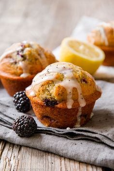 Muffins are the breakfast food to rule them all! Check out our recipes for healthy varieties, as well as muffins that are basically dessert for breakfast. Blackberry Dessert, Blackberry Recipes, Blackberry Muffin, Lemon Recipes, Summer Recipes, Köstliche Desserts, Delicious Desserts, Dessert Recipes, Lemon Poppyseed Muffins