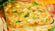Învaţă să prepari o prăjitură pufoasă din griş ca în mijlocul Orientului. Mod de preparare: 1. Se pune la fiert laptele cu zahărul şi, când dă în clocot, se reduce focul şi se toarnă grişul. Se amestecă şi se lasă la fiert pentru 15 minute. 2. Se lasă un pic să se răcorească şi se … Seitan, Pavlova, Lasagna, Mashed Potatoes, Macaroni And Cheese, Ethnic Recipes, Food, Whipped Potatoes, Mac And Cheese