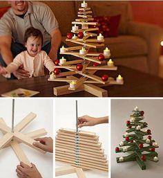 Árbol de Navidad giratorio con listones de madera