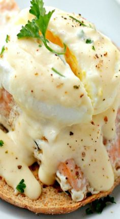 Poached-Egg Salmon With Cheese Sauce