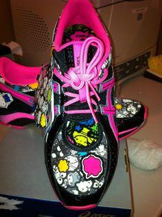 Asics Hello Kitty RARE Gel Size 8 Hello Kitty Asics Arm Warmers | eBay