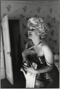 Marilyn Monroe & Chanel No. 5