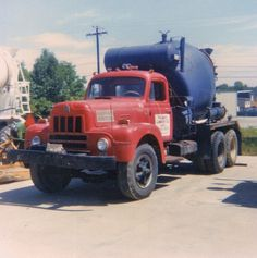(USA) cement mixer truck