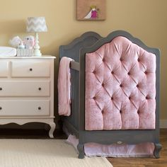 Newport Cottages Hilary Tufted Panel Crib. #laylagrayce #newportcottages