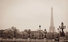 eiffel tower pic: Full HD Pictures, 311 kB - Elmer WilKinson