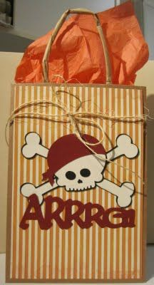 #Cricut  A fun pirate gift bag!  Life's a Party!