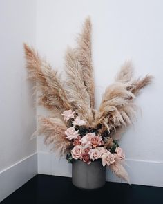 Another shot of this stunner. If only the pampas grass was in full swing again … – Garden Arrangement and Gardening Tips Vintage Flower Arrangements, Wedding Flower Arrangements, Wedding Centerpieces, Wedding Bouquets, Wedding Decorations, Floral Centerpieces, Floral Wedding, Wedding Flowers, Trendy Wedding