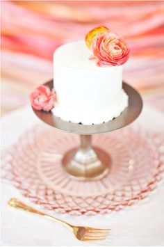 yet another small cake. Simple decorating ideas for Stephanie
