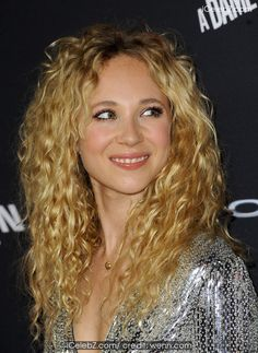 Juno Temple Sin City: A Dame To Kill For Premiere held at the TCL Chinese Theatre http://icelebz.com/events/sin_city_a_dame_to_kill_for_premiere_held_at_the_tcl_chinese_theatre/photo15.html