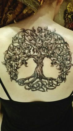 Tree of Life Tattoo Design Variations for Strong celtic tree of life back tattoo Celtic Tree Tattoos, Oak Tree Tattoo, Irish Tattoos, Tree Of Life Tattoos, Druid Tattoo, Backpiece Tattoo, Body Art Tattoos, Cool Tattoos, Tatoos