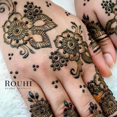 Bookings for 2018 are now open! Enjoy 15% off your total bill if you book an appointment from now until 30th January 2018. Dates are subjected to availability. For bookings and enquiries: hello.rouhihenna@gmail.com 65 8235 9780 (Whatsapp only) . . . . . . . . #rouhihenna #henna #heena #henne #7enna #7anna #henna_i #hennaart #hennatattoo #hennainspire #hennainspiration #hennalookbook #hennasg #hennaservice #uniquehenna #bridalhenna #singaporehenna #inai #mehndi #mehendi #mehandi #mehndihenna…
