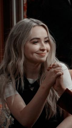 New Ideas For Wall Paper Marvel Metade Best Friend Wallpaper, Couple Wallpaper, World Wallpaper, Disney Wallpaper, Girl Meets World, Maya And Riley, Friendship Wallpaper, Matching Wallpaper, Iphone Wallpaper Tumblr Aesthetic