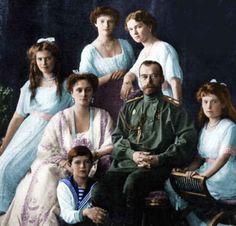 Zar Nicolas II and his familiy Romanov. Rusia 1917