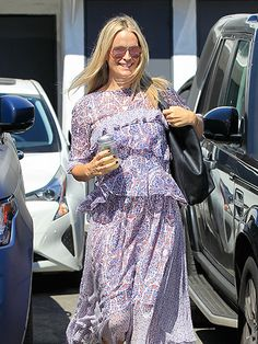 Star Tracks: Thursday, September 29, 2016 | LOVELY IN LAVENDER  | Molly Sims visits a Beverly Hills hair salon in an airy dress on Wednesday.