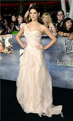 Ashley Greene - Donna Karan