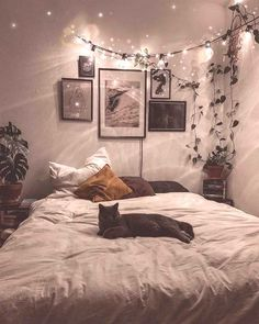 Dreamy Bohemian Master Bedroom Decorating You'll love the Ar. - Dreamy Bohemian Master Bedroom Decorating You'll love the Artificial Frosted - Dream Rooms, Dream Bedroom, Master Bedroom, Single Bedroom, Master Suite, Couch Magazin, Bohemian Bedrooms, Bohemian Bathroom, Room Ideas Bedroom