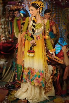Mehndi is an importan wedding function in Pakistan. We have presented some mehndi dresses 2013 for girls here. Have a look at these dresses. Pakistani Mehndi Dress, Bridal Mehndi Dresses, Bridal Dress Design, Pakistani Wedding Dresses, Pakistani Bridal, Indian Bridal, Bridal Style, Pakistani Sharara, Bridal Gowns