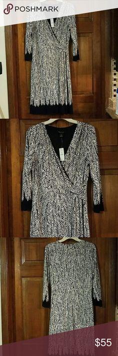 White house black market Black and white polyester spandex dress White House Black Market Dresses